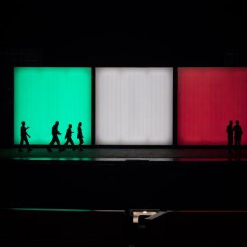 """La trilogia """"tricolore"""" di Giuseppe Verdi: Il trovatore, Rigoletto e La traviata si trasformano in un polittico a tinte forti. Un grande e importante impegno produttivo del Maggio"""