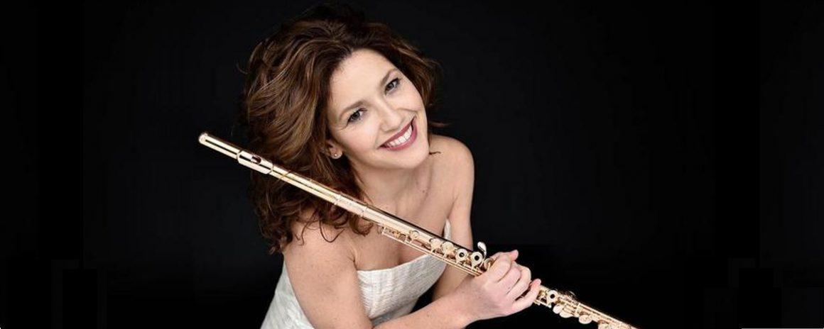 """""""Silvia, torna in Italia, il Maggio Musicale Fiorentino ti aspetta!"""" L'invito alla flautista Silvia Careddu a tornare in Italia, a Firenze, al Maggio."""