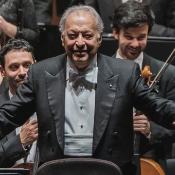 Zubin Mehta returns to conduct the Orchestra del Maggio Musicale Fiorentino. With him the pianist Rudolf Buchbinder.