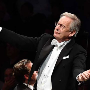 Maestro Sir John Eliot Gardiner for the first time at the Teatro del Maggio