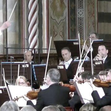 """La """"Messa da Requiem"""" di Giuseppe Verdi nell'esecuzione del Maggio Musicale Fiorentino per l'omaggio dei sindaci alle vittime: su Rai5, martedì 31 marzo 2020, ore 12"""