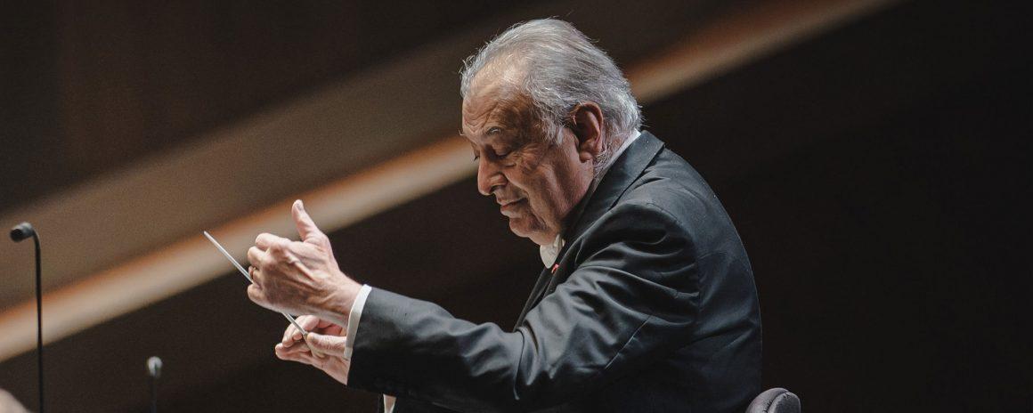 Zubin Mehta with the Orchestra del Maggio Musicale Fiorentino to conduct the Easter concert in Orvieto
